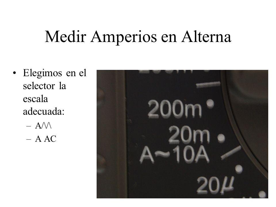 Medir Amperios en Continua o en Alterna Y ponemos las bornas en el polímetro, dependiendo de si medimos corriente bajas (miliAmperios) (foto izquierda) o corrientes altas.