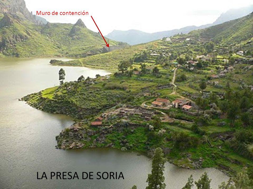 ... Más abajo, en dirección suroeste vemos el caidero de Soria, que acaba en ésa monumental obra… LA PRESA DE SORIA Muro de contención