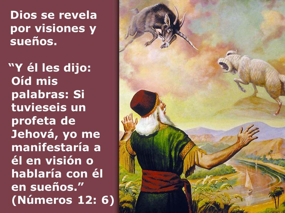 Entonces el dragón se enfureció contra la mujer, y se fue para hacer guerra contra los demás descendientes de ella, quienes guardan los mandamientos de Dios y tienen el testimonio de Jesucristo.