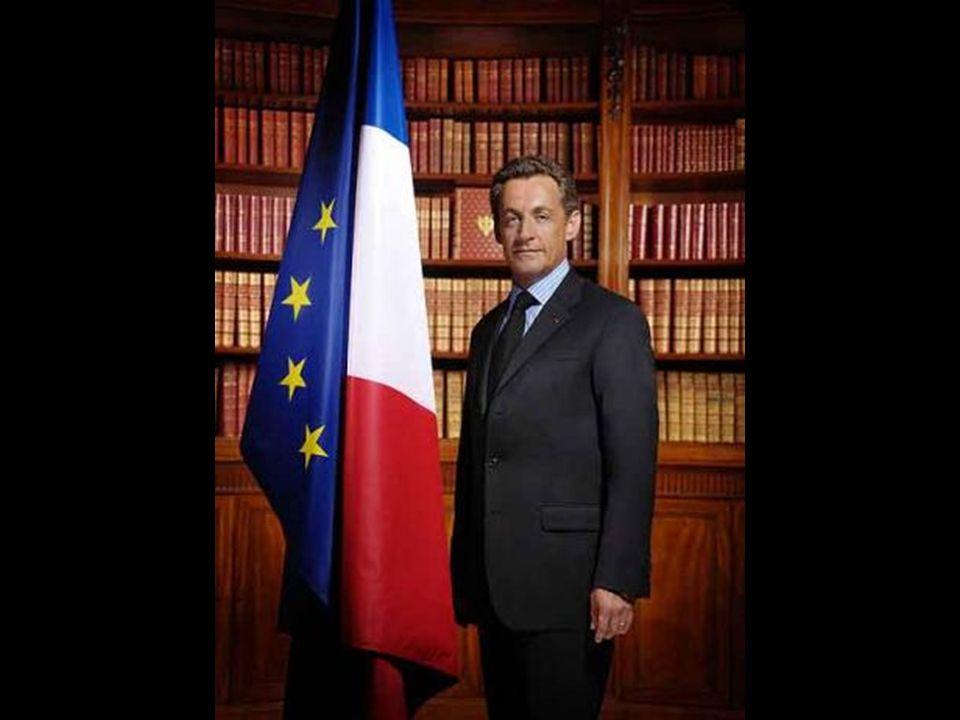 Finalmente, tiene lugar la investidura de Nicolás Sarkozy como presidente de la República Francesa.