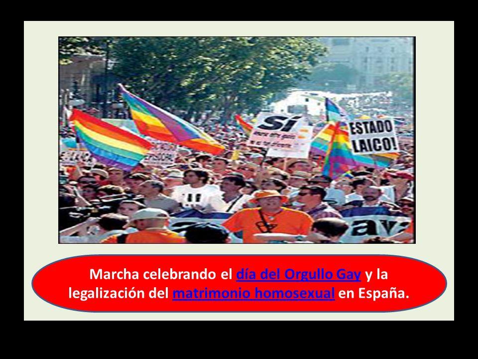 Marcha celebrando el día del Orgullo Gay y la legalización del matrimonio homosexual en España.día del Orgullo Gaymatrimonio homosexual