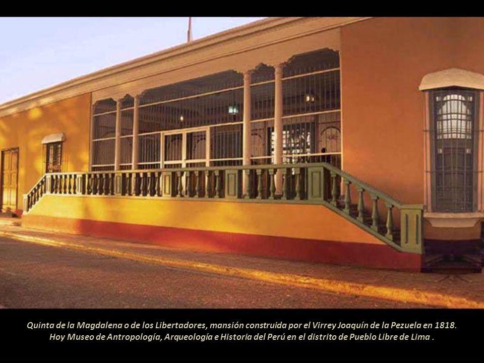 Simón Bolívar desembarcó en el puerto del Callao el 1 de setiembre de 1823. El Congreso Constituyente del Perú le concedió, el 2 de setiembre, la supr