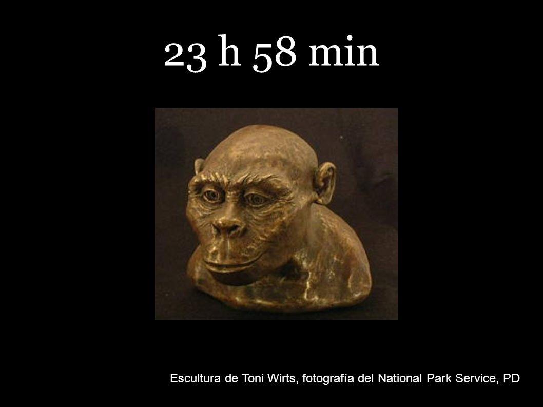 23 h 58 min Escultura de Toni Wirts, fotografía del National Park Service, PD