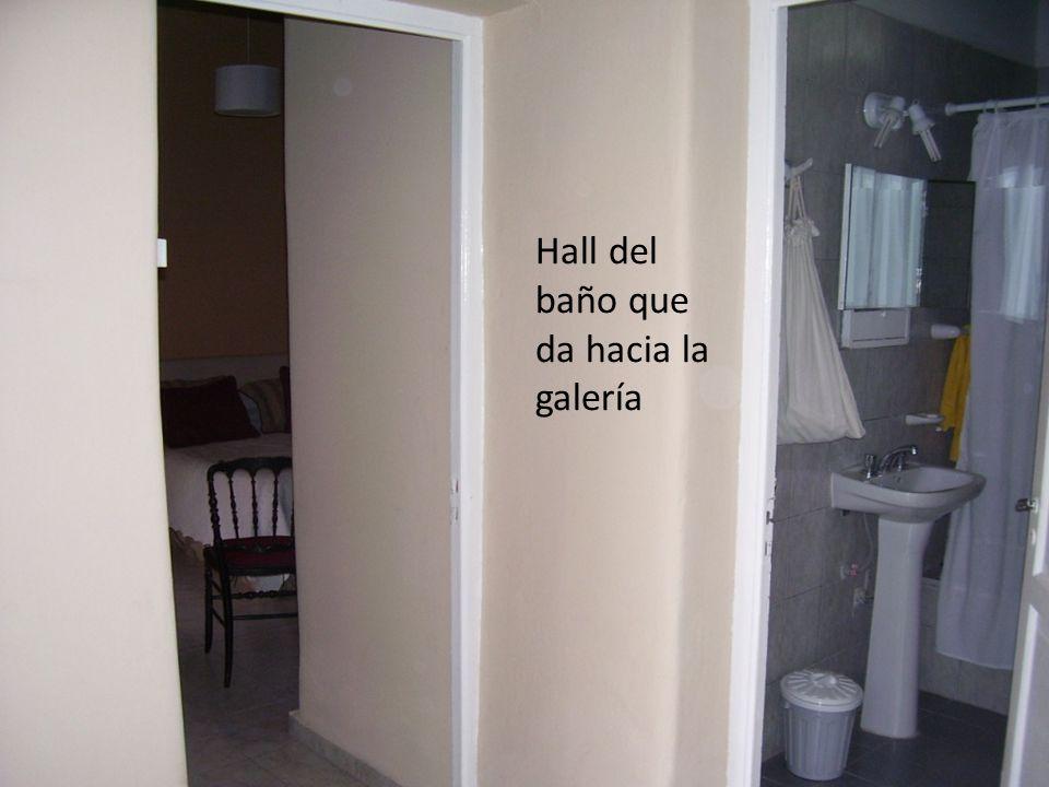 Hall del baño que da hacia la galería
