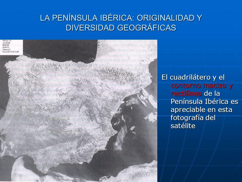 El cuadrilátero y el contorno macizo y rectilíneo de la Península Ibérica es apreciable en esta fotografía del satélite