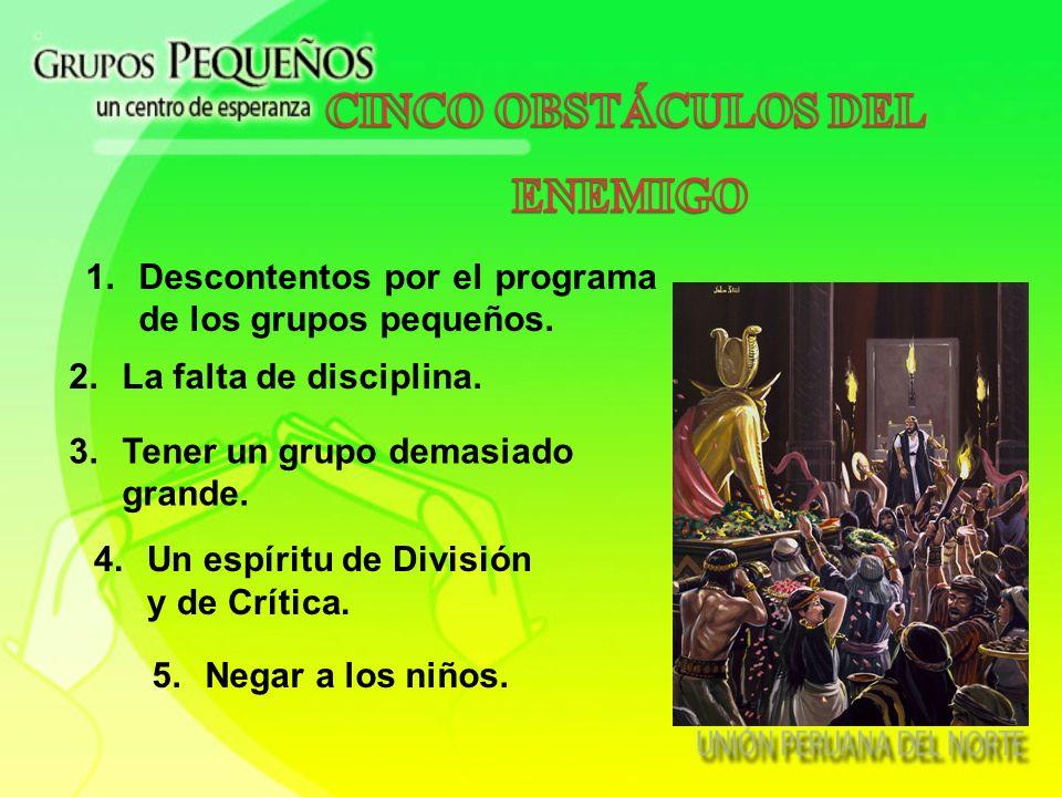 La vida de iglesia ocurre en el grupo pequeño. Cada miembro de la iglesia pertenece a un grupo pequeño. Todo el ministerio funciona para alimentar a l
