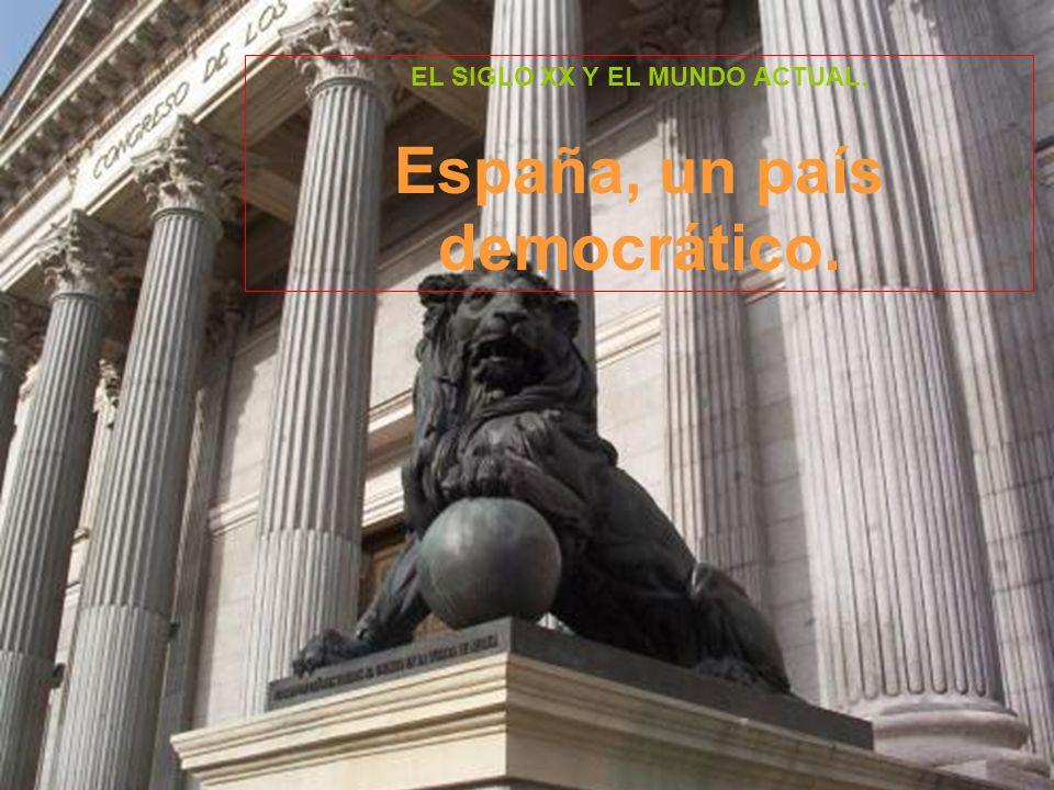Recordemos cómo España llegó a la democracia: Tras la muerte de Franco en 1975, Juan Carlos I fue nombrado rey de España y se inició el paso hacia la democracia.