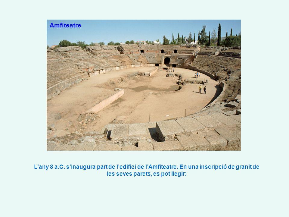 Amfiteatre Lany 8 a.C. sinaugura part de ledifici de lAmfiteatre.