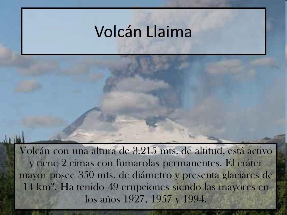 Volcán Llaima Volcán con una altura de 3.215 mts. de altitud, está activo y tiene 2 cimas con fumarolas permanentes. El cráter mayor posee 350 mts. de