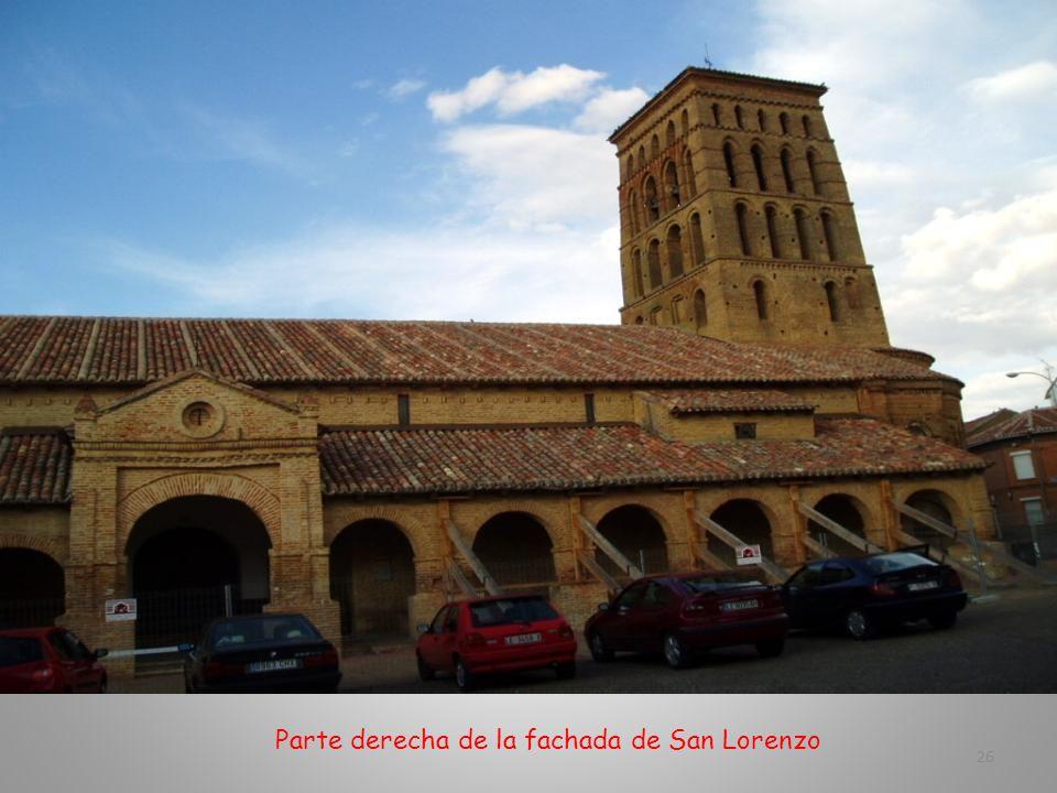 Parte izquierda de la fachada principal de San Lorenzo 25