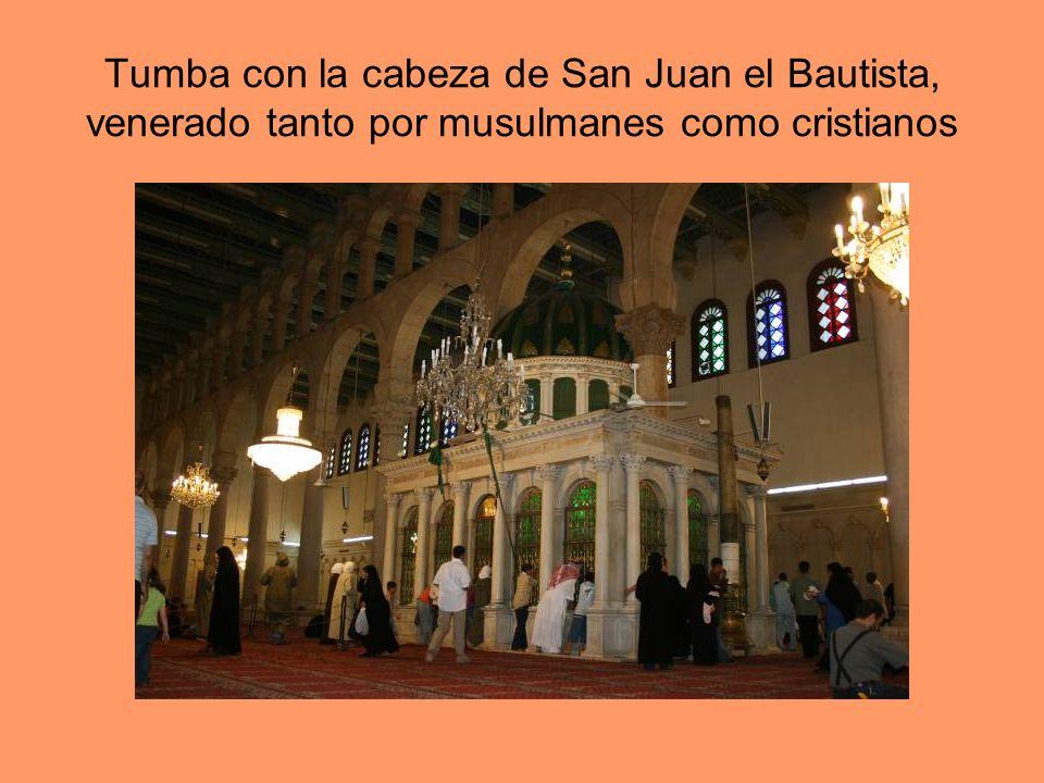 Tumba con la cabeza de San Juan el Bautista, venerado tanto por musulmanes como cristianos