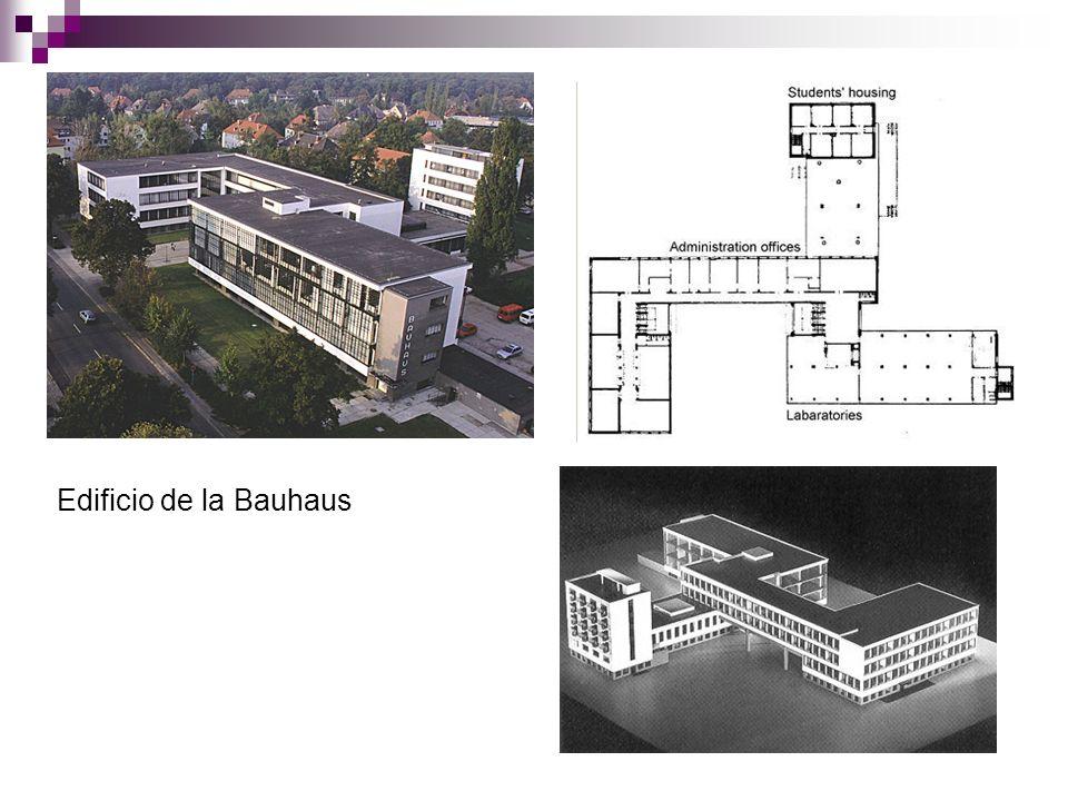 Vista general del edificio. La Bauhaus. Edificio de la Bauhaus