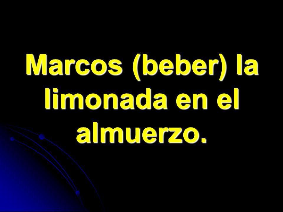 Marcos (beber) la limonada en el almuerzo.