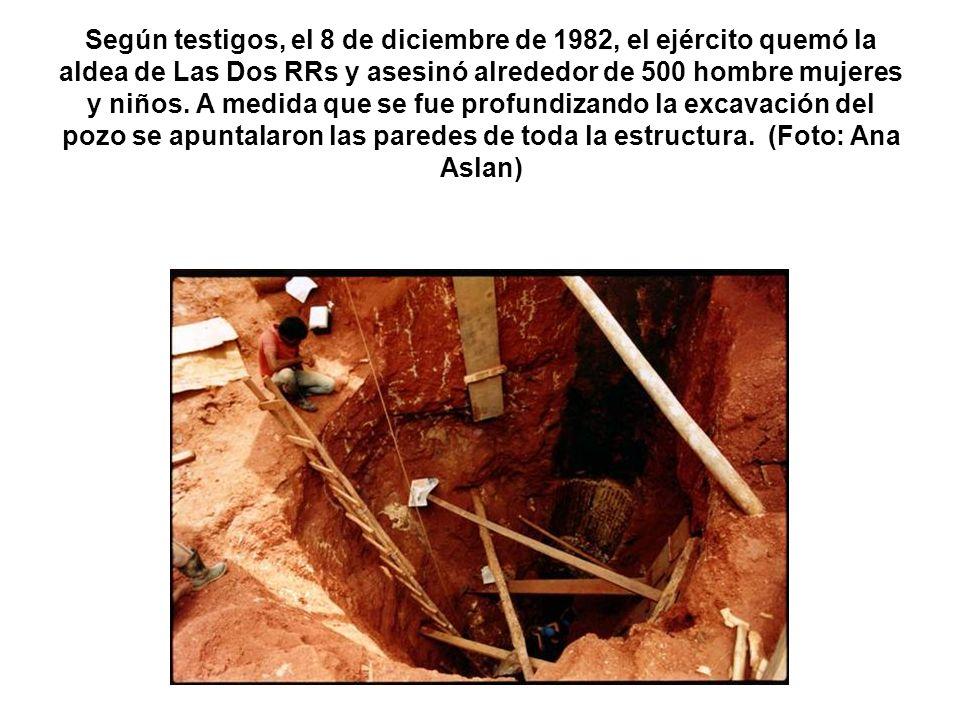 Según testigos, el 8 de diciembre de 1982, el ejército quemó la aldea de Las Dos RRs y asesinó alrededor de 500 hombre mujeres y niños. A medida que s