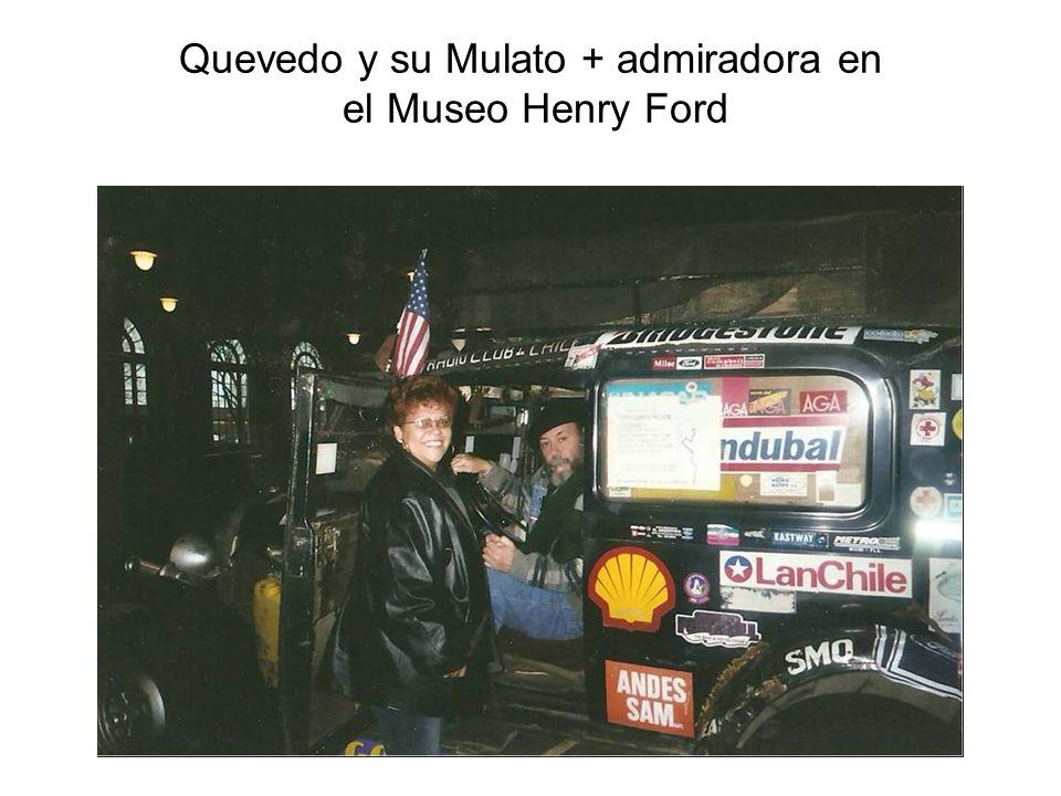 Quevedo y su Mulato + admiradora en el Museo Henry Ford
