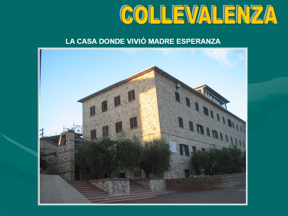 INTERIOR DE LA BASÍLICA CAPILLA DE LA VIRGEN DEL PILAR (Patrona de España) CAPILLA DE LA VIRGEN DE LA FUENSANTA (Patrona de Murcia)