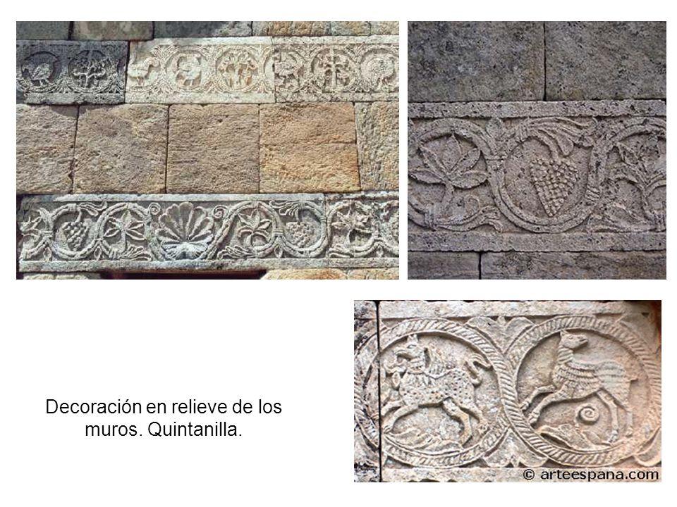 Decoración en relieve de los muros. Quintanilla.