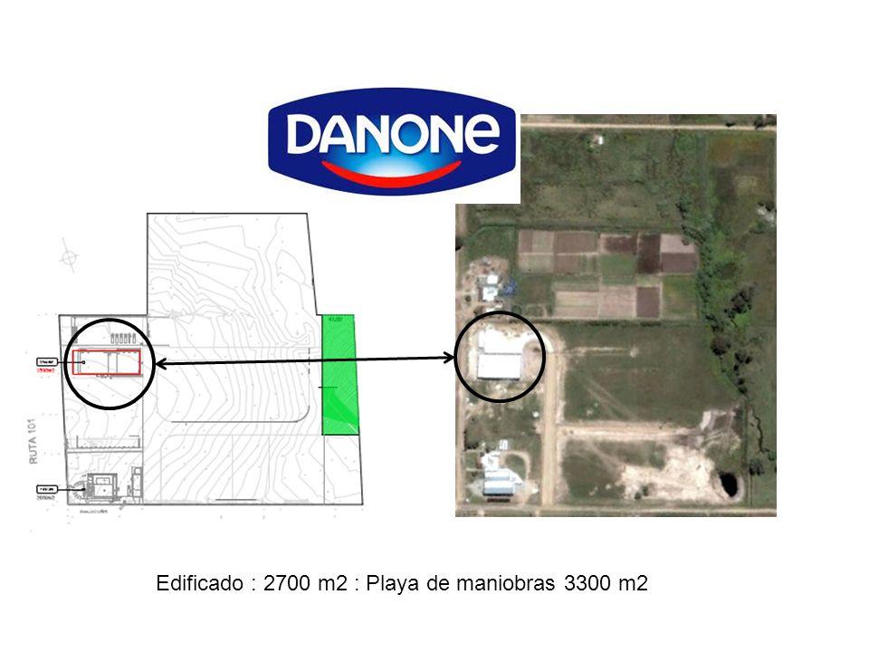 Edificado : 2700 m2 : Playa de maniobras 3300 m2