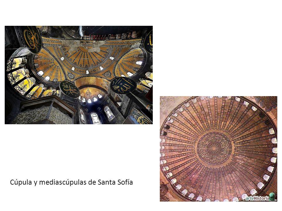 Cúpula y mediascúpulas de Santa Sofía