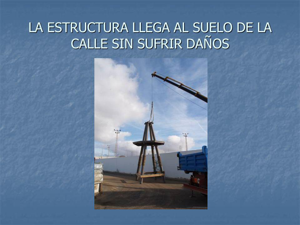ELEVACIÓN DE LA ESTRUCTURA,LAS PATAS SE ASEGURAN CON LISTONES DE MADERA PAR A QUE NO SE ROMPAN