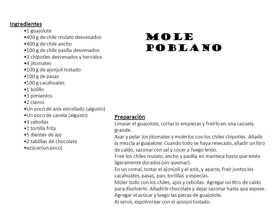 Ingredientes 1 guajolote 400 g de chile mulato desvenados 400 g de chile ancho 100 g de chile pasilla desvenados 3 chipotles desvenados y hervidos 4 j
