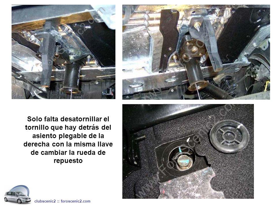 Solo falta desatornillar el tornillo que hay detrás del asiento plegable de la derecha con la misma llave de cambiar la rueda de repuesto
