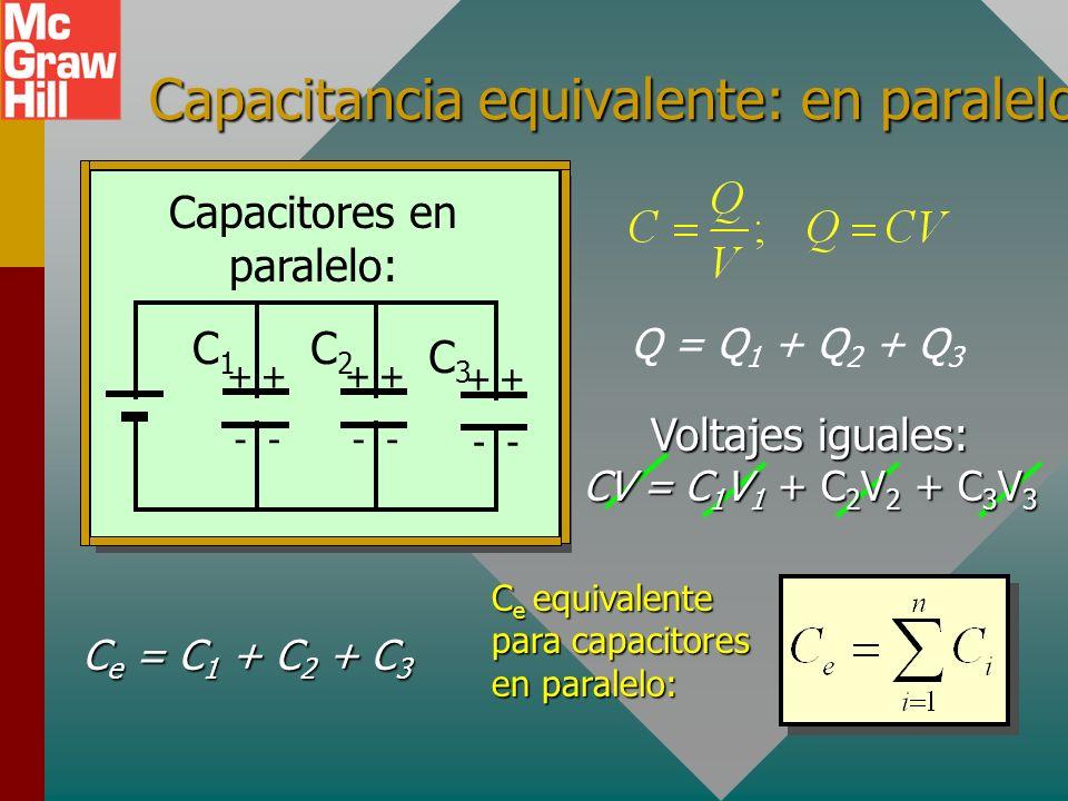 Circuitos en paralelo Los capacitores que están todos conectados a la misma fuente de potencial se dice que están conectados en paralelo. Vea a contin
