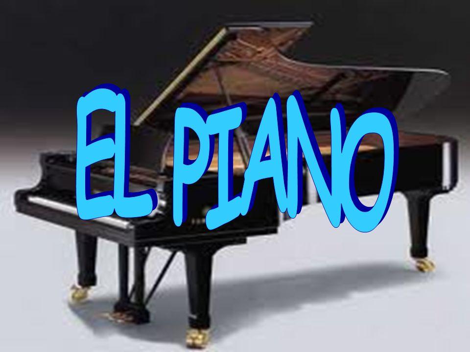 Es un instrumento de teclado, de cuerda percutida.