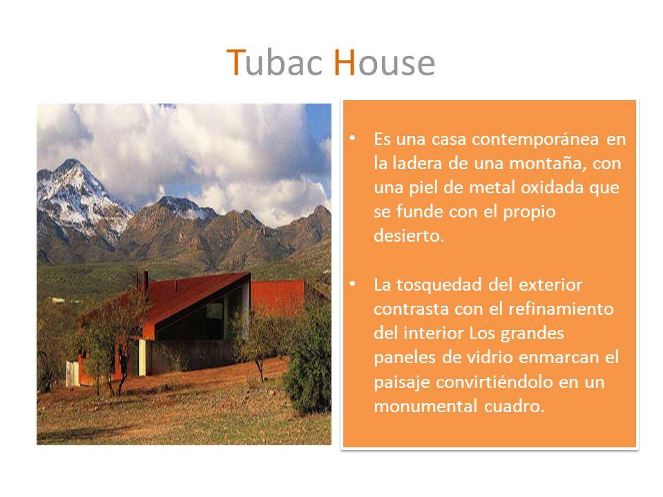 Tubac House Es una casa contemporánea en la ladera de una montaña, con una piel de metal oxidada que se funde con el propio desierto. La tosquedad del