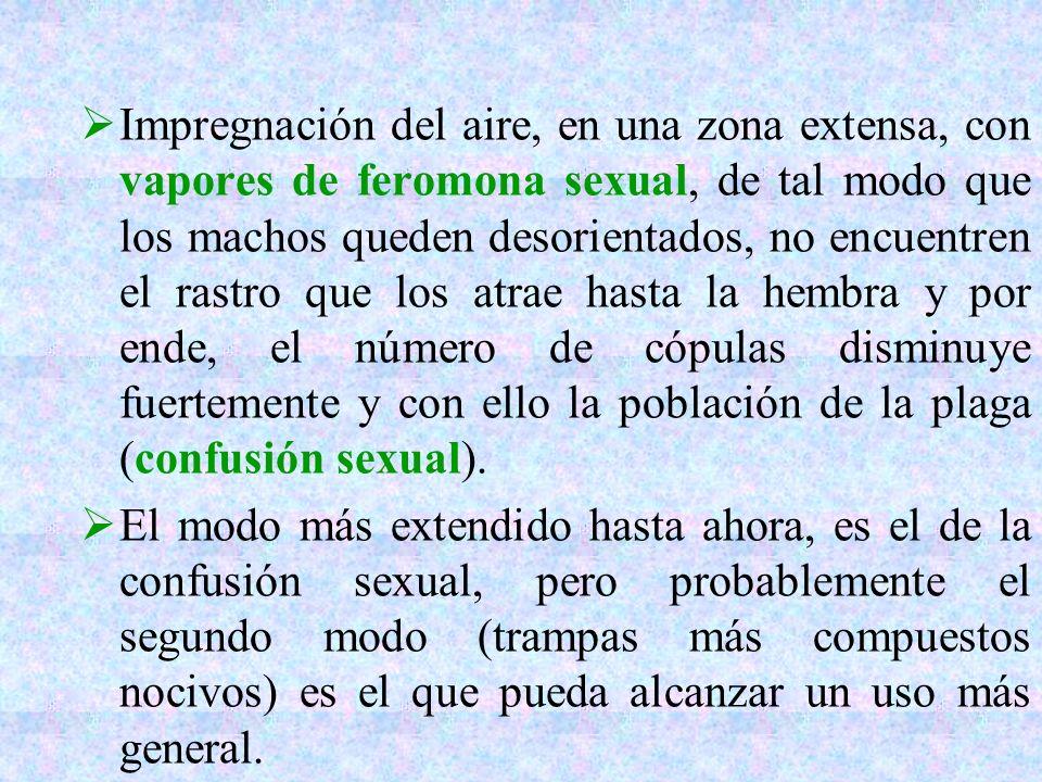 Impregnación del aire, en una zona extensa, con vapores de feromona sexual, de tal modo que los machos queden desorientados, no encuentren el rastro q