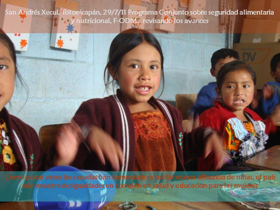 Como pocas veces las escuelas han comenzado a recibir mayor afluencia de niñas, el país aún muestra desigualdades en atención en salud y educación par