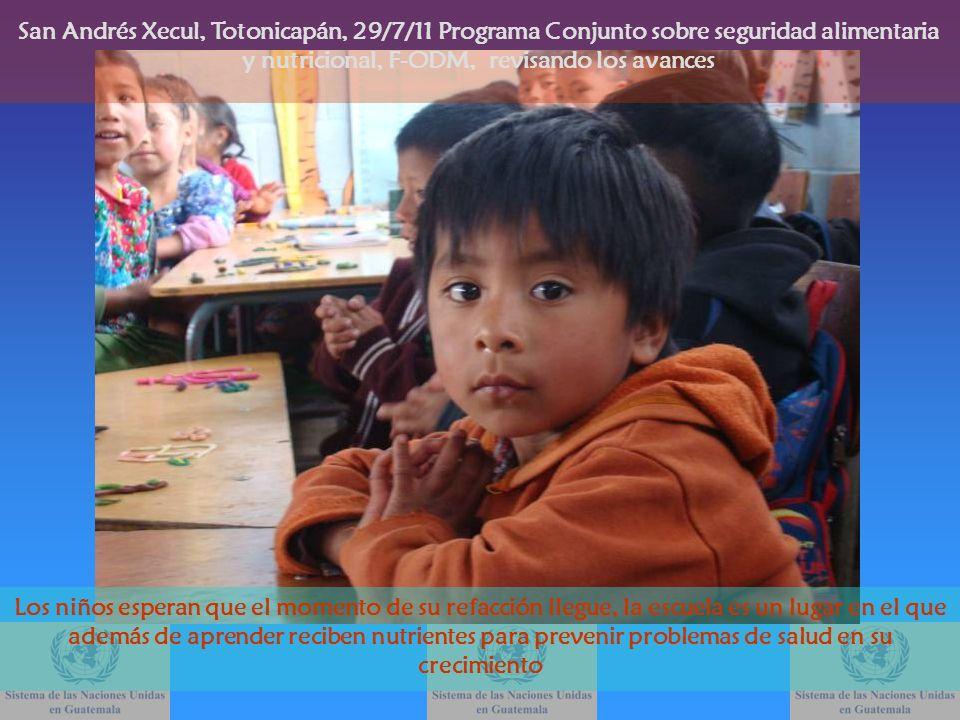 Los niños esperan que el momento de su refacción llegue, la escuela es un lugar en el que además de aprender reciben nutrientes para prevenir problema
