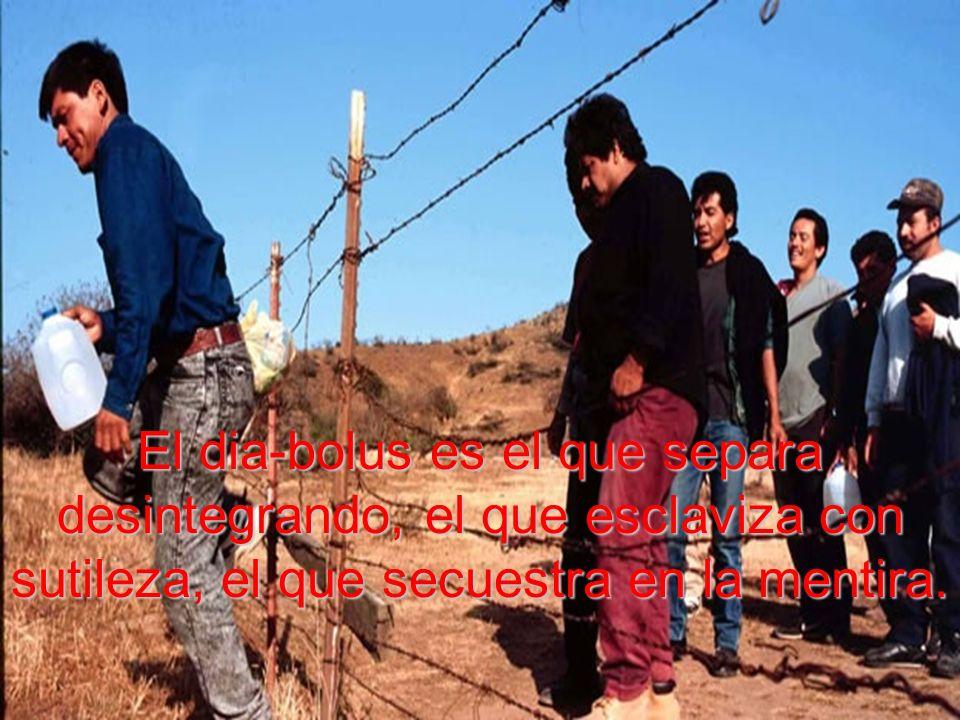 Hasta los demonios quedaban desplazados con el paso de Jesús por en medio de su pueblo.