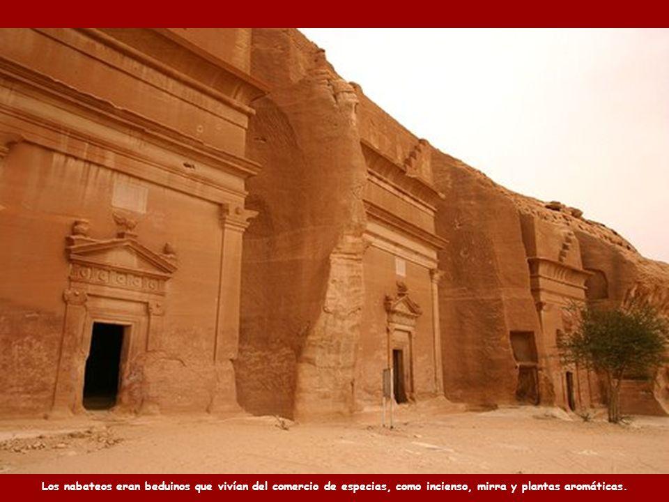 Petra fue construida en el siglo VI A.C. por los nabateos, durante el Imperio Persa.