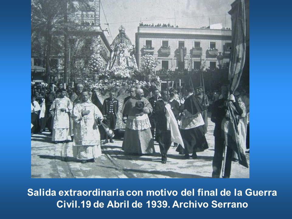 Salida extraordinaria con motivo del final de la Guerra Civil.19 de Abril de 1939. Archivo Serrano
