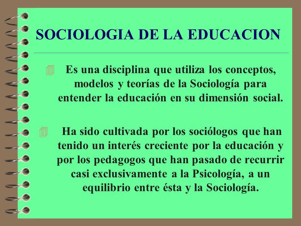4 Examina las expresiones de la estructura social, clases, sexo, edad, raza, ocupación, etc., así como las formas de institucionalización que adquiere