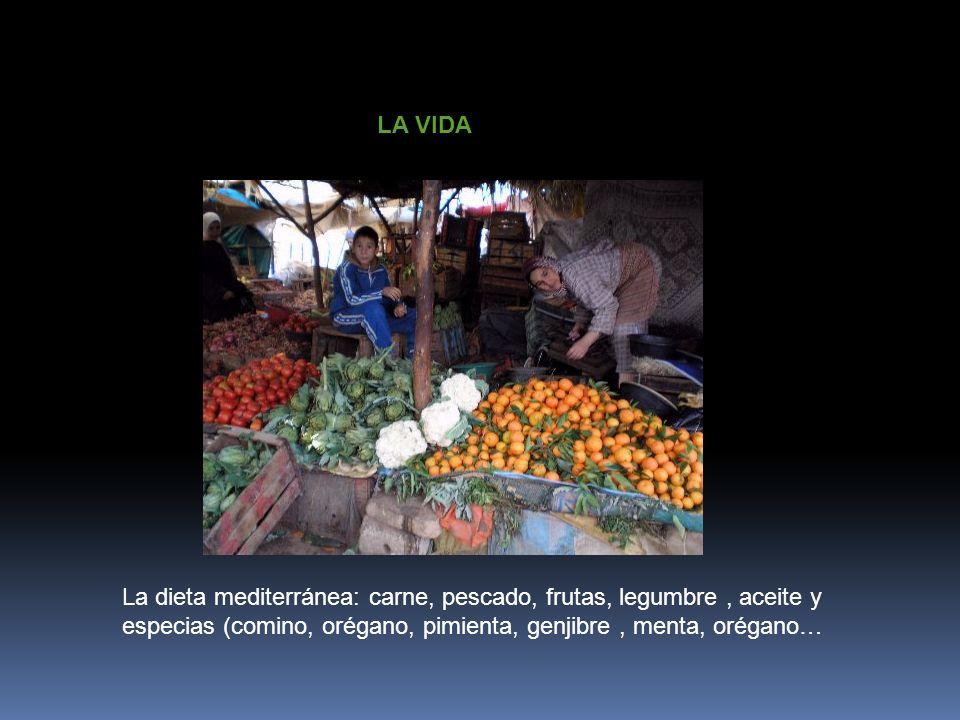LA VIDA La dieta mediterránea: carne, pescado, frutas, legumbre, aceite y especias (comino, orégano, pimienta, genjibre, menta, orégano…