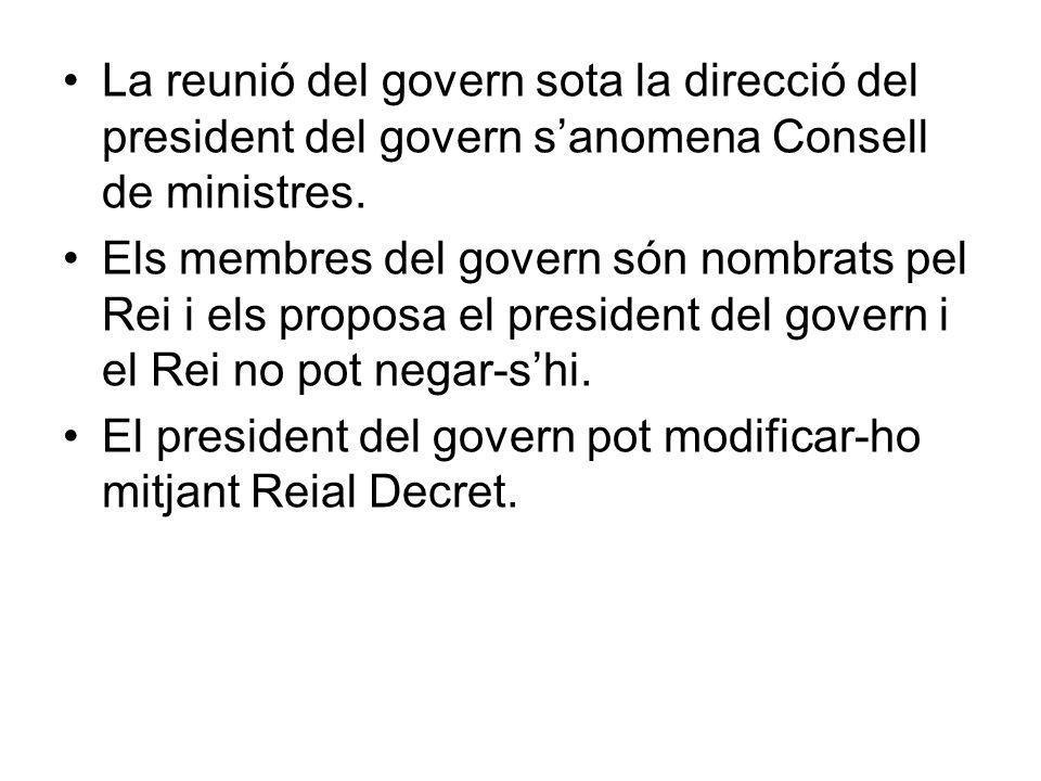 Comissions delegades del govern http://www.meh.es/es- ES/El%20Ministerio/Organigrama/CVs/Paginas/Comision%20Delegada%20del%20Gobierno%20para%20Asuntos% 20Economicos.aspxhttp://www.meh.es/es- ES/El%20Ministerio/Organigrama/CVs/Paginas/Comision%20Delegada%20del%20Gobierno%20para%20Asuntos% 20Economicos.aspx Comisión Delegada del Gobierno para Asuntos Económicos De acuerdo con el artículo 3 del Real Decreto 1025/2011, de 15 de julio, por el que se establecen las Comisiones Delegadas del Gobierno, la Comisión Delegada del Gobierno para Asuntos Económicos tendrá la siguiente composición:Real Decreto 1025/2011, de 15 de julio a) La Vicepresidenta del Gobierno de Asuntos Económicos y Ministra de Economía y Hacienda, que la presidirá.