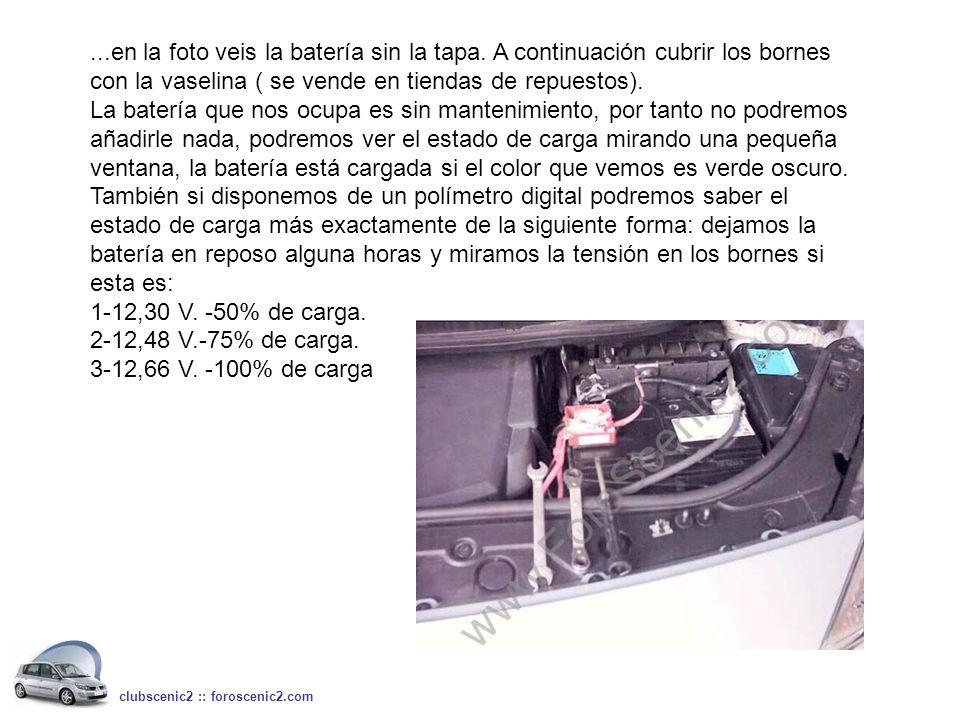 ...en la foto veis la batería sin la tapa. A continuación cubrir los bornes con la vaselina ( se vende en tiendas de repuestos). La batería que nos oc