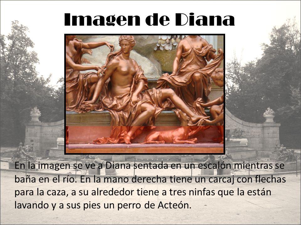 Imagen de Diana En la imagen se ve a Diana sentada en un escalón mientras se baña en el río. En la mano derecha tiene un carcaj con flechas para la ca
