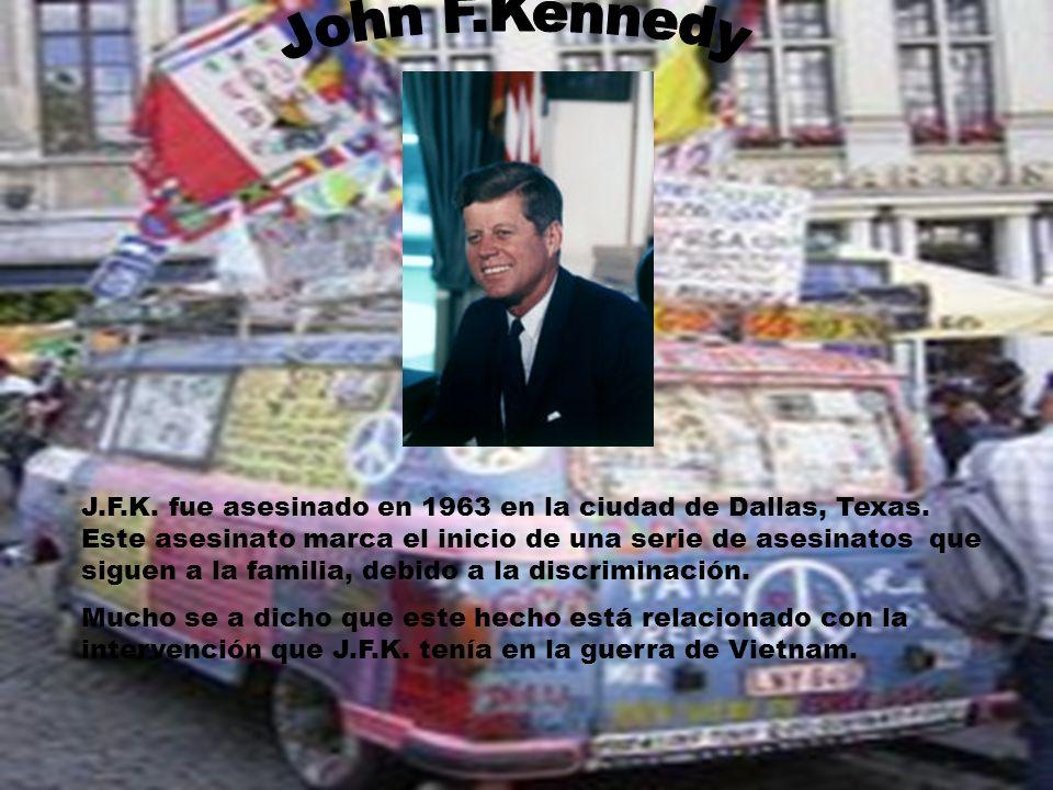 J.F.K. fue asesinado en 1963 en la ciudad de Dallas, Texas. Este asesinato marca el inicio de una serie de asesinatos que siguen a la familia, debido