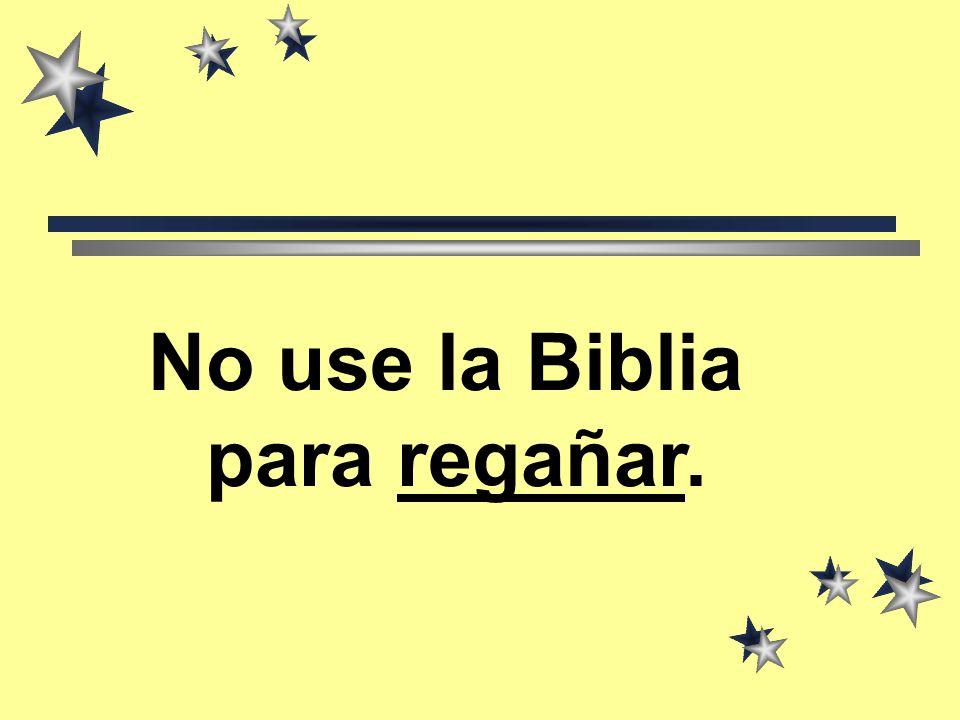 La Biblia libro Santo es Palabra del Señor Yo con cuidado la pondré En sitios de honor.