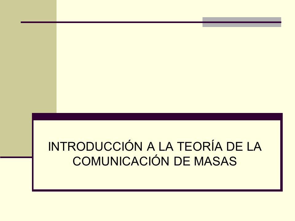 ACLARACIÓN PREVIA A LA LECTURA El libro establece que se concentra específicamente en los media y en la comunicación de masas en países modernos, con regímenes democráticos electos y economías de libre mercado, integrados en un marco internacional de relaciones económicas y políticas de intercambio y competencia.