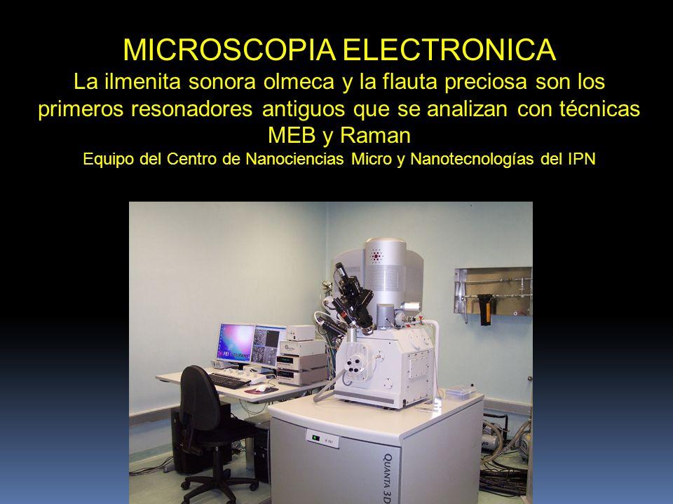 SUPERFICIE DE LA CÁMARA DE CAOS Foto interior y micrografías a 100 x y 1000x de Emilio R. Megar Tisoc. 2008. La perforación se hizo con un instrumento