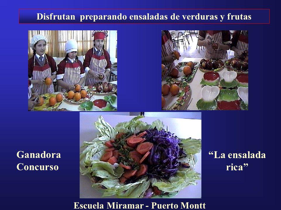 Disfrutan preparando ensaladas de verduras y frutas Ganadora Concurso La ensalada rica Escuela Miramar - Puerto Montt