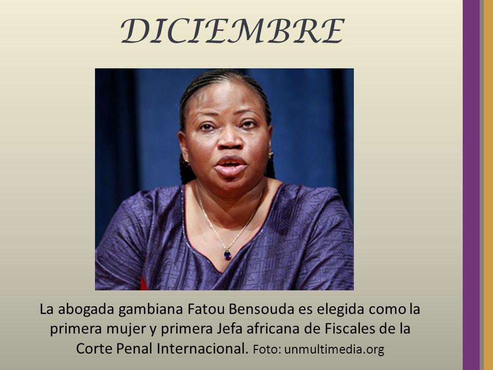 DICIEMBRE La abogada gambiana Fatou Bensouda es elegida como la primera mujer y primera Jefa africana de Fiscales de la Corte Penal Internacional. Fot