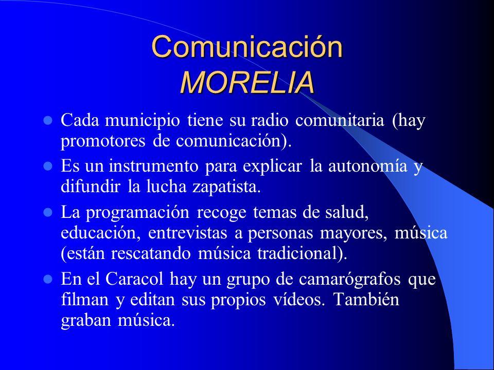 Comunicación ROBERTO BARRIOS Una radio comunitaria.