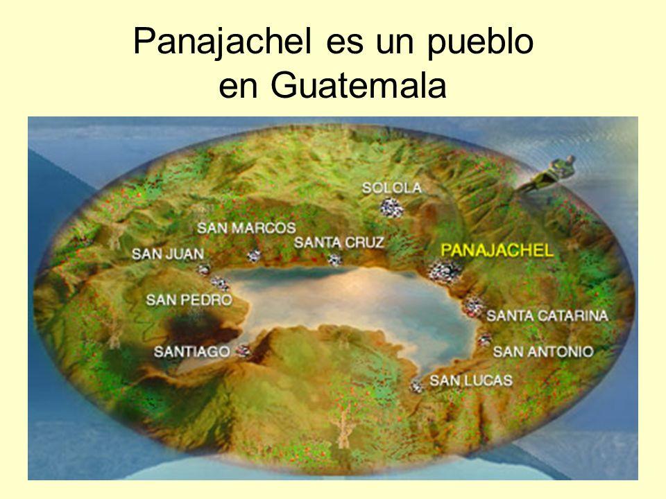 Panajachel está a tres horas de la capital en bus.