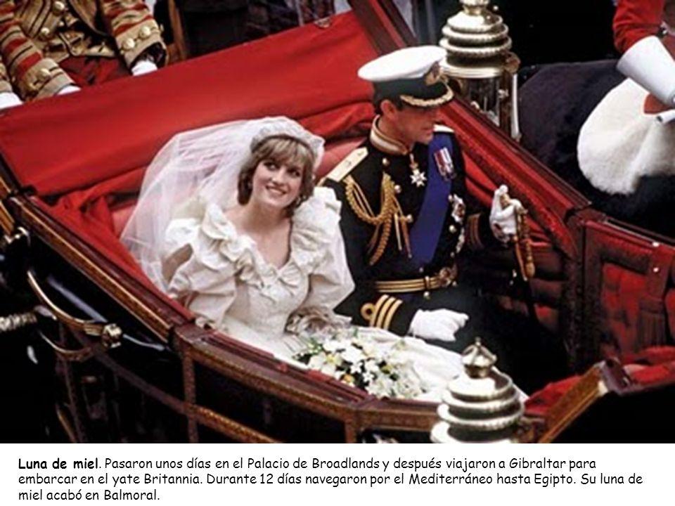 Luna de miel. Pasaron unos días en el Palacio de Broadlands y después viajaron a Gibraltar para embarcar en el yate Britannia. Durante 12 días navegar