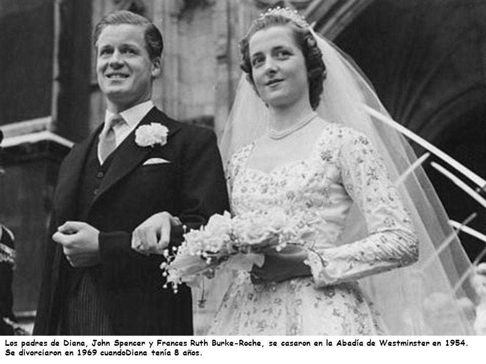 Los padres de Diana, John Spencer y Frances Ruth Burke-Roche, se casaron en la Abadía de Westminster en 1954. Se divorciaron en 1969 cuandoDiana tenía